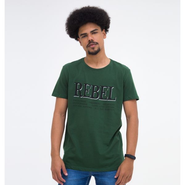 Camiseta Básica Estampada Rebel